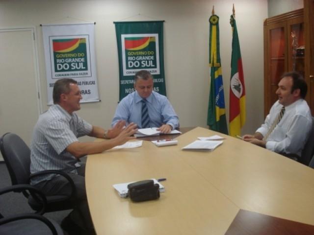 Secretário Breda recebe Jarré que traz boas notícias à população de Carazinho