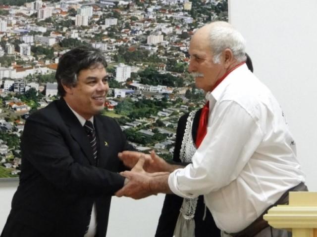 """Amélio Machado """"Tradicionalista destaque em 2010""""."""