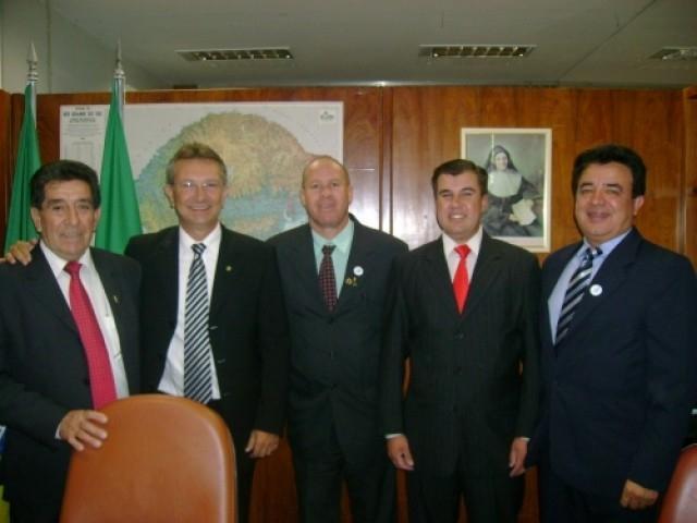 Vereadores buscam recursos em Brasília