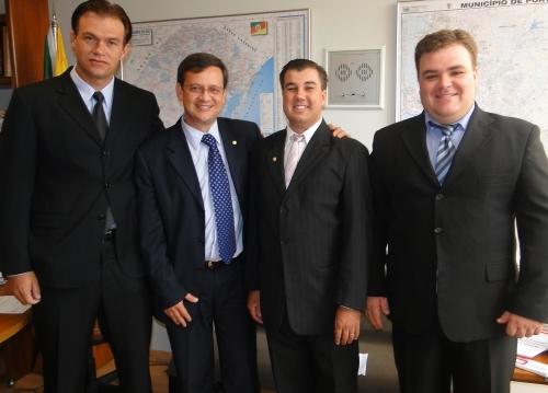 Vereadores realizam visita ao gabinete do Deputado Beto Albuquerque em Brasília.
