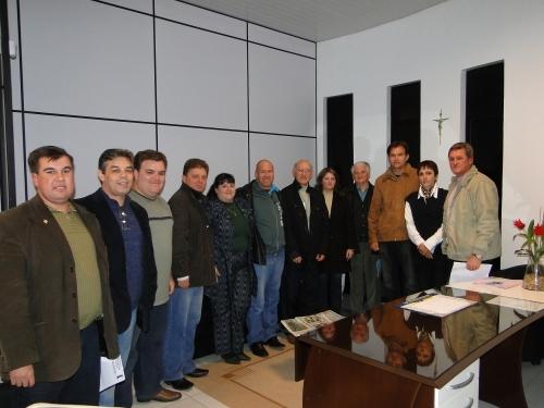 Vereadores recebem equipe que coordena os trabalhos da saúde no município