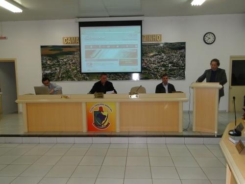 Representantes da Eletrocar apresentaram novo site da Empresa no Legislativo.