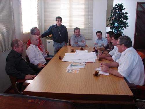 Direção do Aeroclube cobra projetos do Executivo Municipal
