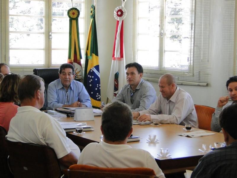 Reunião para discutir o PL do Previ Carazinho