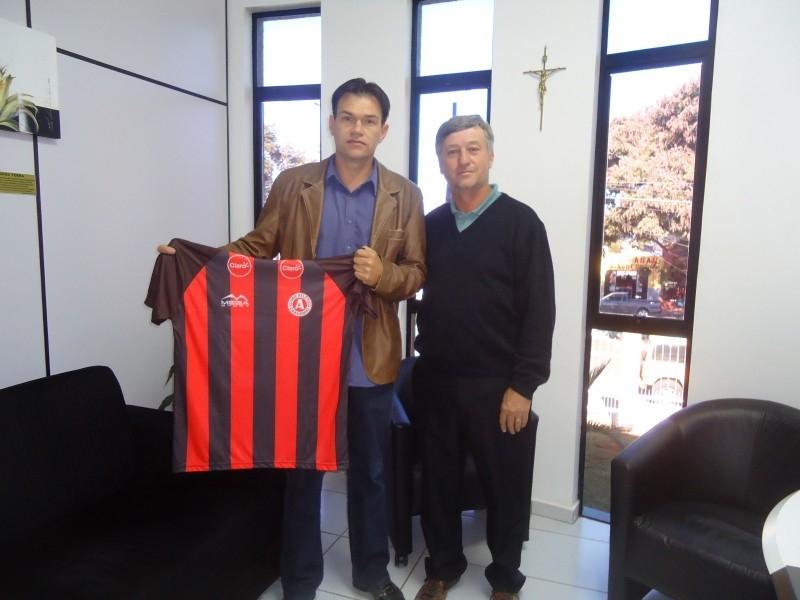 Erlei Recebe Representantes do Atlético de Carazinho
