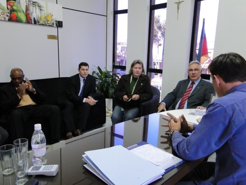 Vice-Governador Beto Grill em visita ao Legislativo