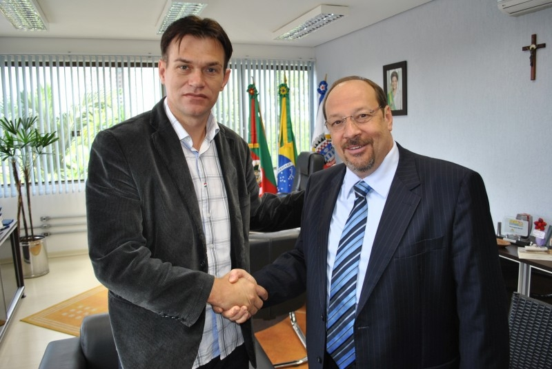Prefeito de Cachoeirinha recebe o presidente Erlei Vieira
