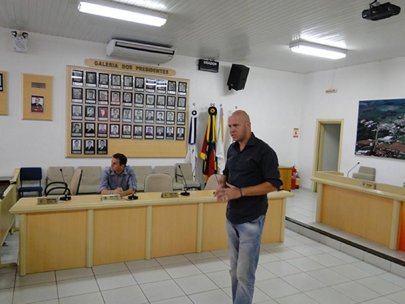 Câmara da pontapé inicial para Rede Unificada de Entidades