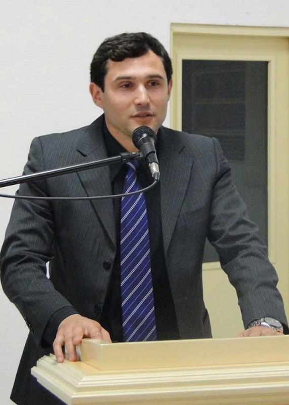 VEREADOR DANIEL WEBER (PP) PROTOCOLA INDICAÇÃO DE PROJETO QUE INSTITUI MEIA ENTRADA PARA DEFICIENTES
