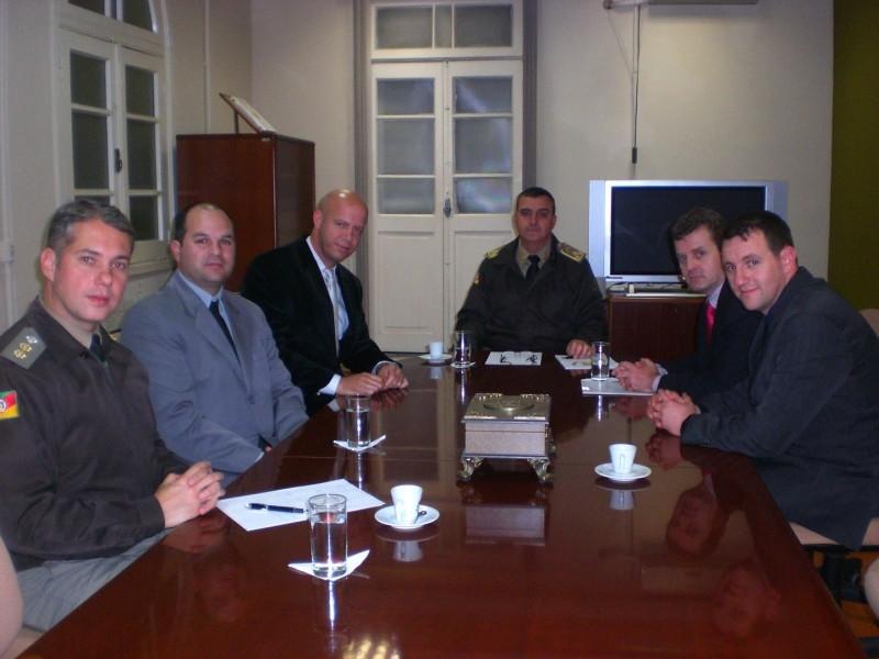 PRESIDENTE OTTO GERHARDT (PT) E REPRESENTANTES DA ABECAR EM REUNIÃO COM COMANDANTE GERAL DA BRIGADA