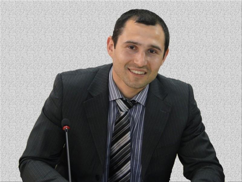 VEREADOR DANIEL (PP) SOLICITA A REVITALIZAÇÃO DO CANTEIRO CENTRAL NO BAIRRO BORGHETTI
