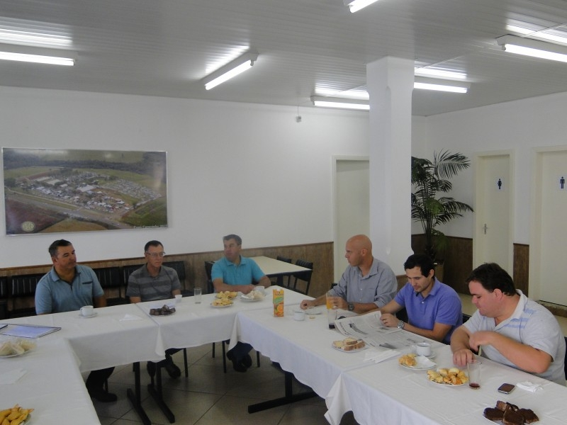 REUNIÃO NO SINDICATO RURAL