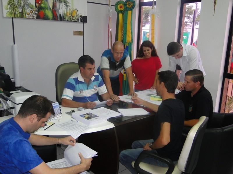 ORÇAMENTO 2015 VAI A VOTAÇÃO NA PRÓXIMA SESSÃO
