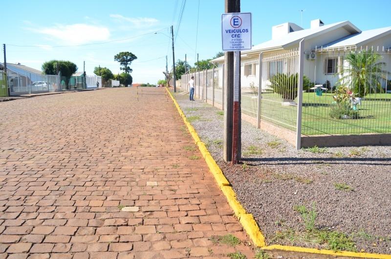 Falta de estacionamento leva vereador ao bairro Princesa
