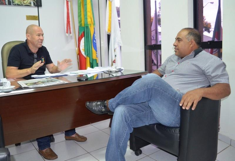 Legislativo e Sindicato conversam sobre projeto das agentes de saúde