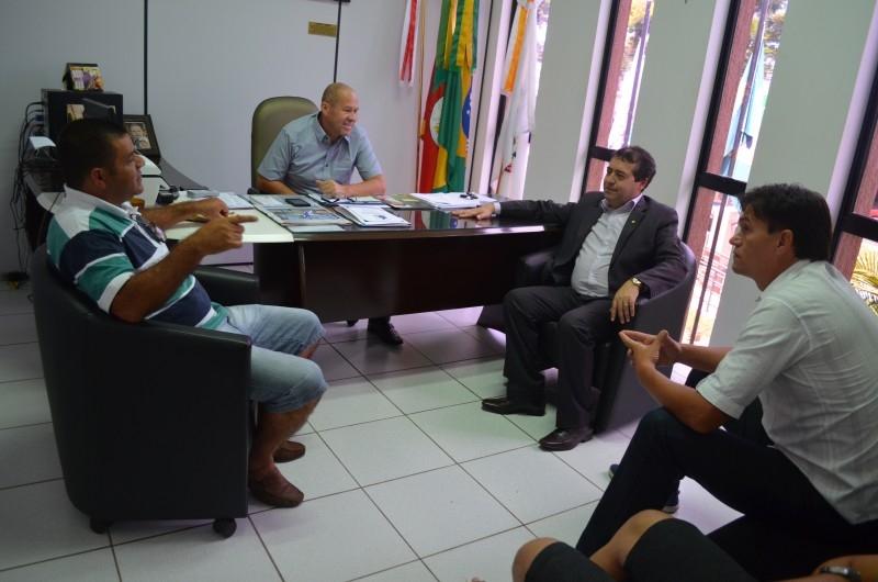 Ronaldo Nogueira anuncia emendas para Carazinho