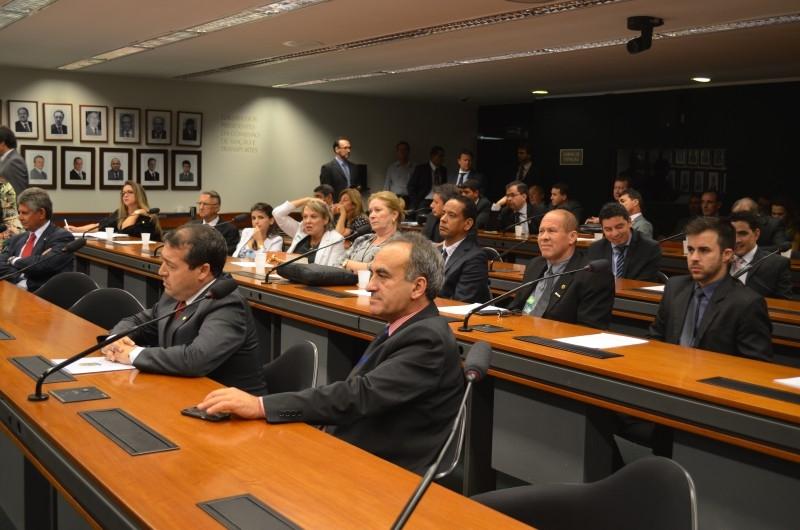 Ministério dos Esportes garante a vereadores 50% do ginásio