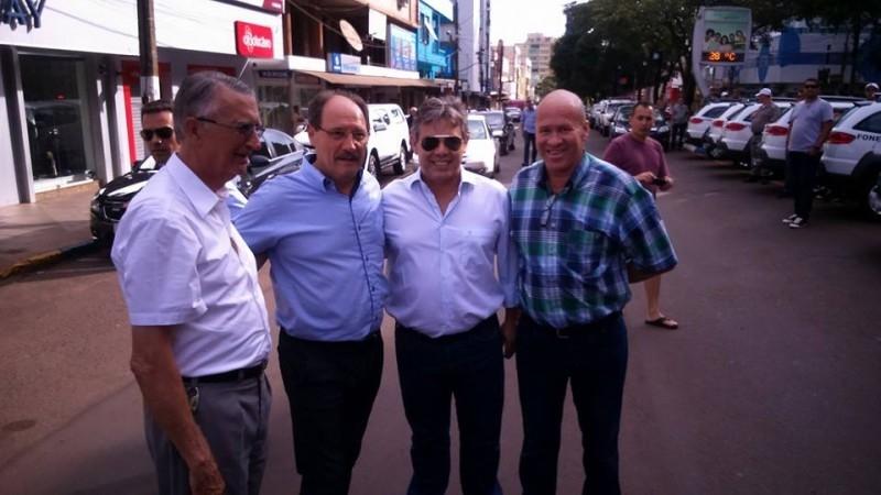Vereadores participam de cerimônia de entrega de viaturas em Carazinho