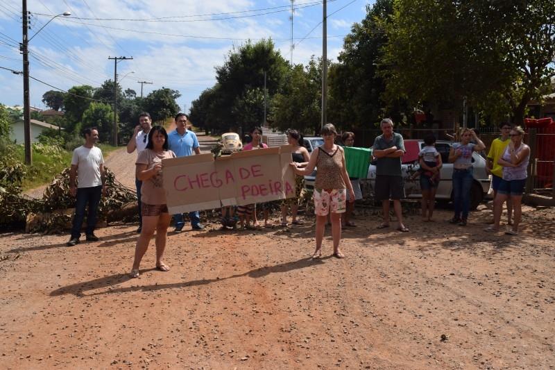 Vereador participa de manifestação no bairro São Pedro