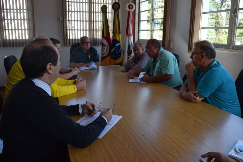 Vereadores cobram fiscalização de Leis municipais