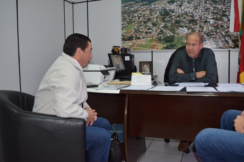 Escritura do Distrito Iron Albuquerque chega ao município