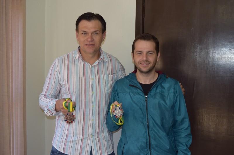 Vereadores recebem medalha de mais atuantes em Carazinho