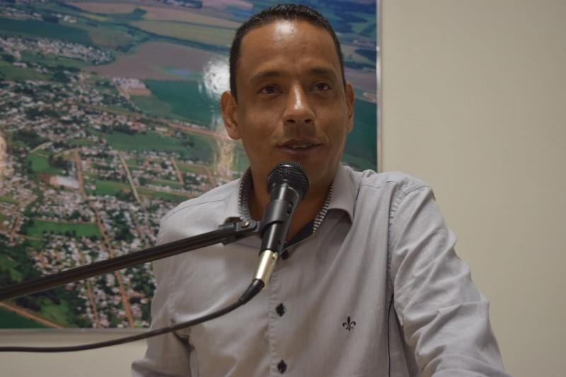 Vereador repudia Governo Federal por cortes na educação