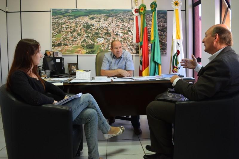 Presidente recebe consultor ambiental para tratar de audiência pública