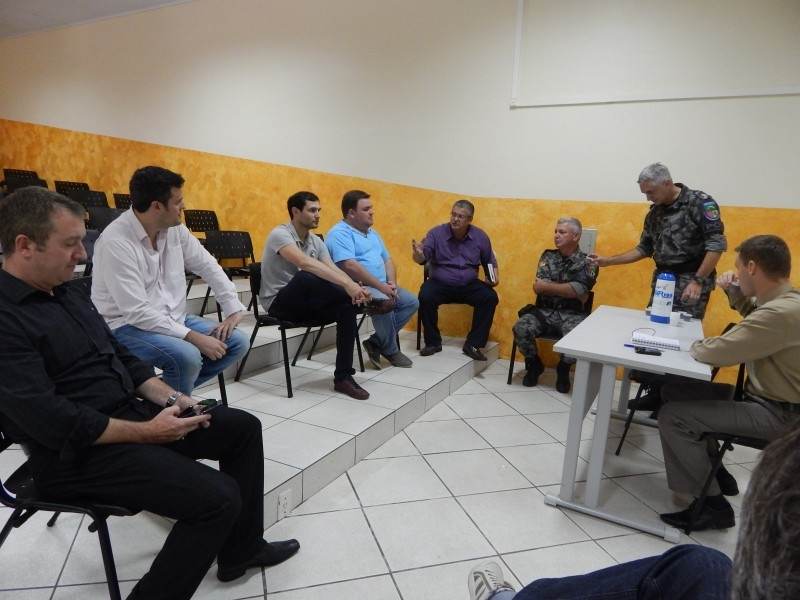 Segurança municipal é discutida por vereadores e órgãos de segurança pública