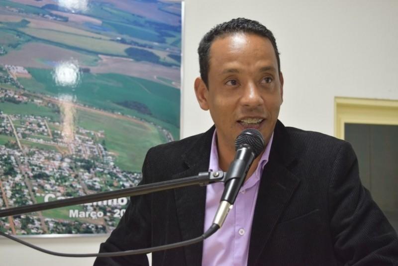 Vereador repudia MEC por atraso no repasse para o Programa Mais Educação
