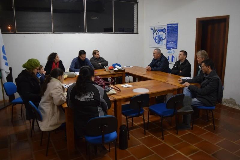 Vereadores buscam apoio da JCI para realização do Festival do Galeto com Massa