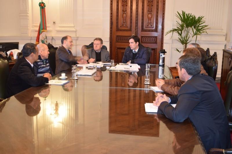 Vereadores participam de negociação sobre contrato do HCC em Porto Alegre