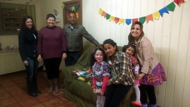 Vereador participa de entrega de alimentos arrecadados no XII Oitavão La Salle