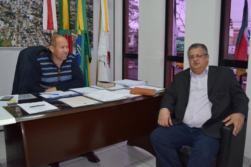 Secretário do desenvolvimento busca  parceria do Legislativo