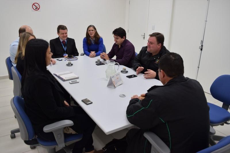 Legislativo presente em reunião sobre Residencial Aldeia do Minuano
