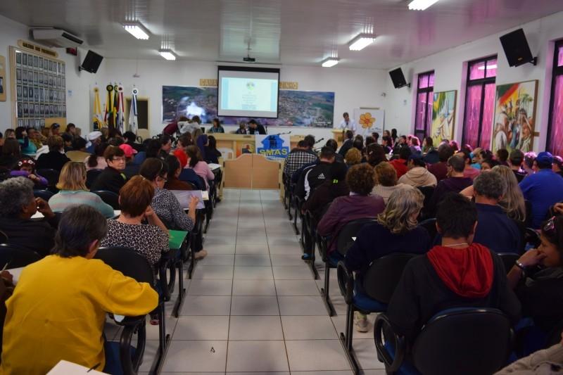 Vereador destaca importância das políticas sociais em conferência municipal