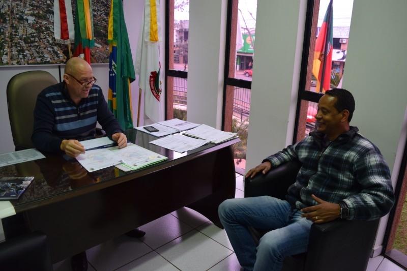 Presidente do Legislativo esclarece sobre projeto do turno único