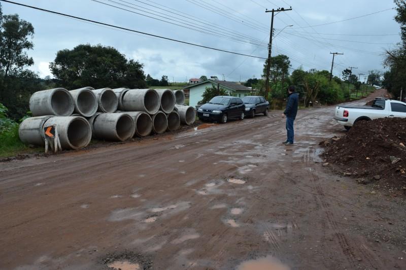 Vereador ouve reclamações no bairro São Pedro