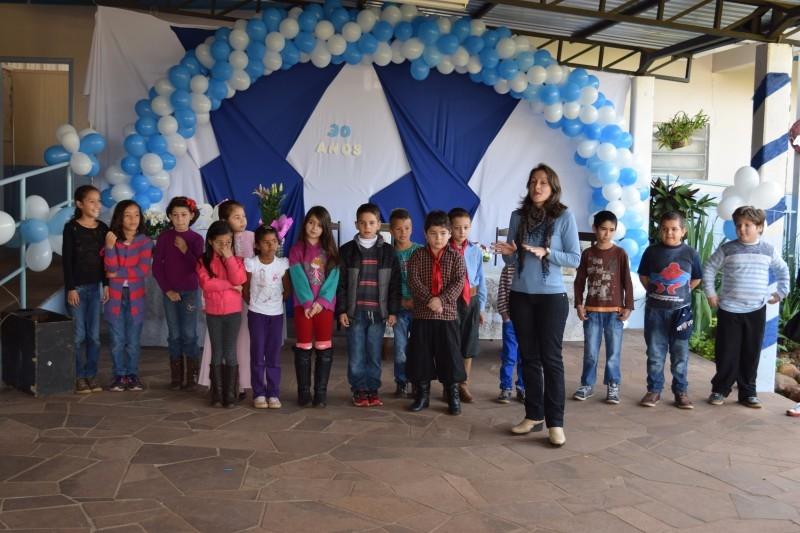 Vereadores prestigiam aniversário de 30 anos da escola Pedro Pasqualotto