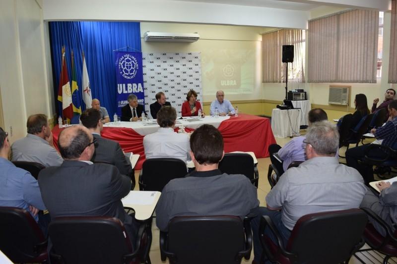 Legislativo presente em reunião semanal da ACIC