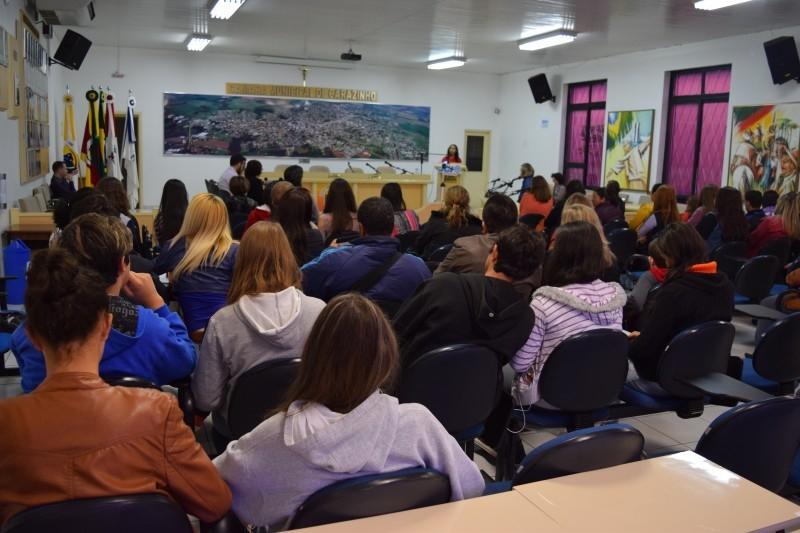 Fase final do Oratória nas escolas ocorre na Câmara de Vereadores