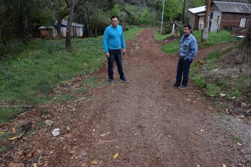 Vereador ouve demandas do bairro  São Lucas