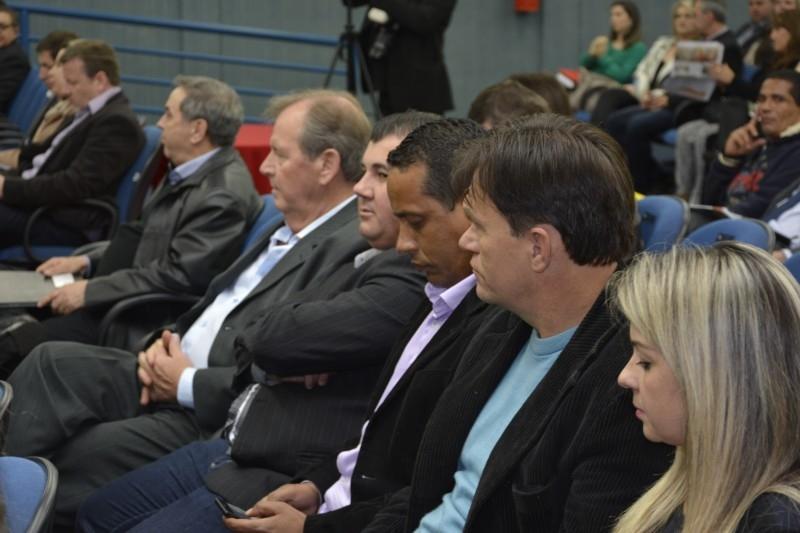 Vereadores prestigiam 2º Fórum Político