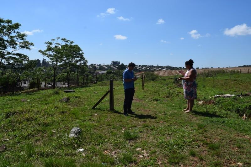 Moradores do bairro Santa Terezinha denunciam irregularidades em doação de terrenos