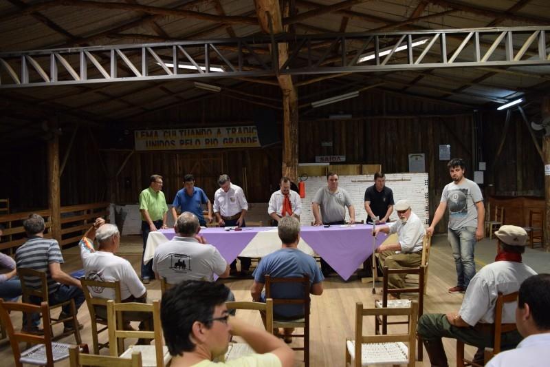 Entidades discutem locais para realização de eventos tradicionalistas