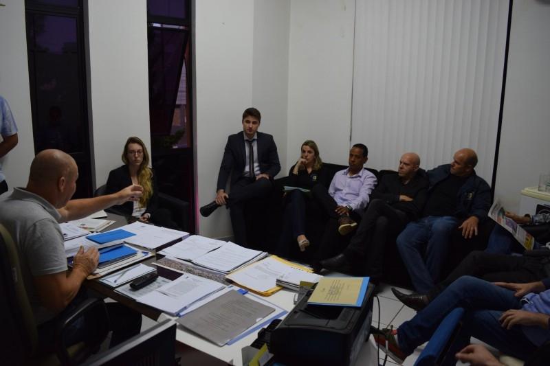 Projetos são aprovados em sessão do Legislativo