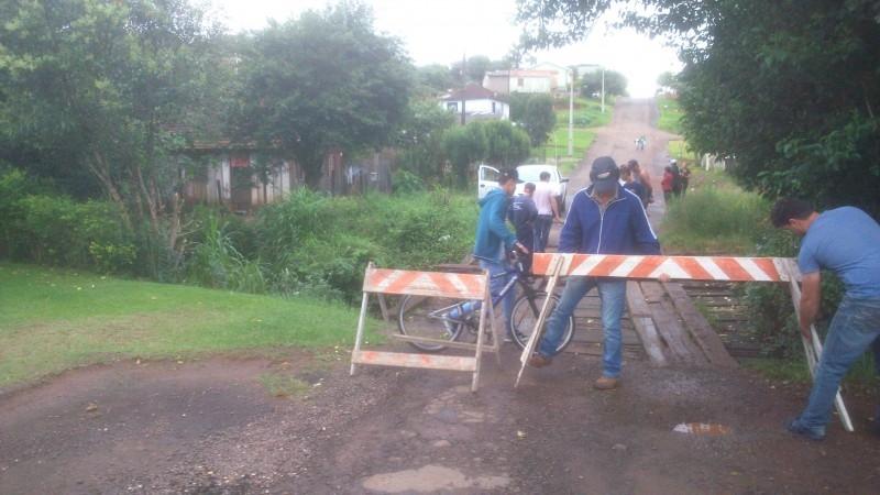 Má condição de ponte é fiscalizada por vereador