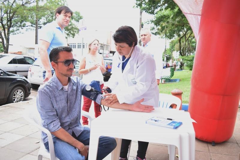 Vereadores participam de ação preventiva ao câncer de próstata
