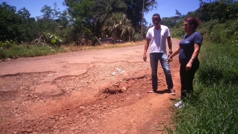 Moradores do bairro Sassi pedem melhorias a vereador