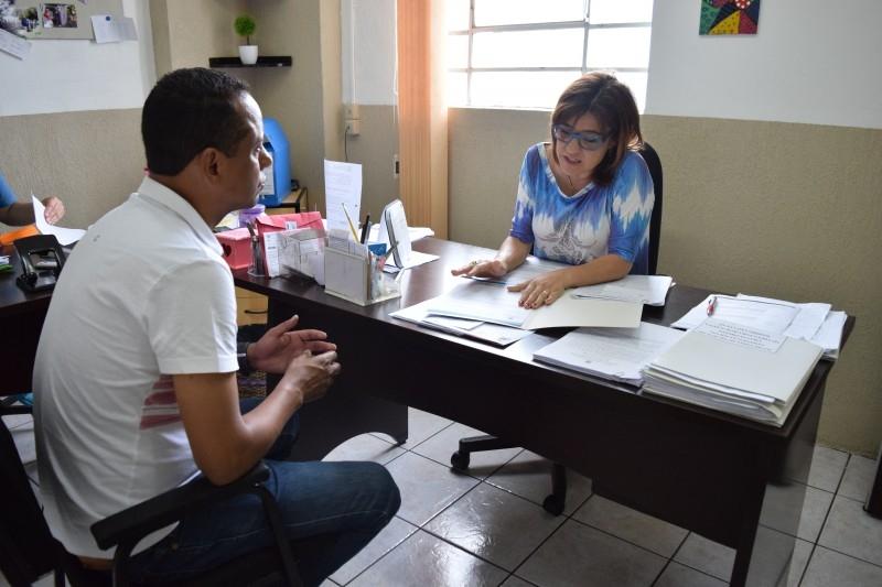 Alaor entrega indicação de novo CRAS à Assistência Social